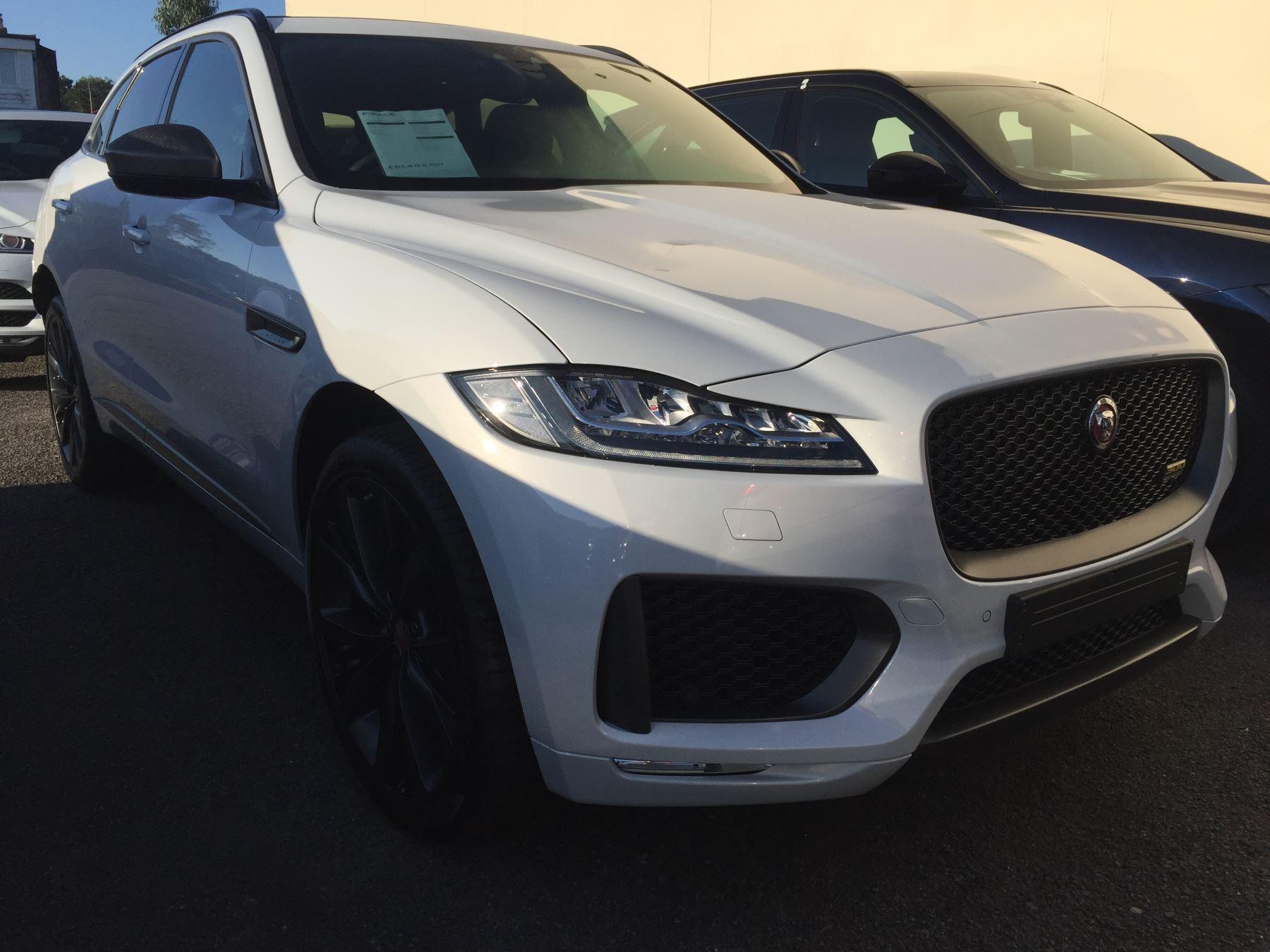 Jaguar F-PACE 2.0 300 Sport AWD SPECIAL EDITION 3,750 TOTAL DEPOSIT CONTRIBUTION Automatic 5 door Estate (2020)